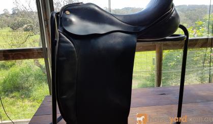 Ainsley dressage saddle size 17 1/2 on HorseYard.com.au