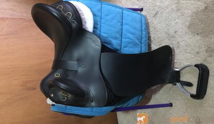 """Bates Kimberly swinging fender 17"""" on HorseYard.com.au"""