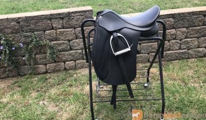 Dressage saddle on HorseYard.com.au