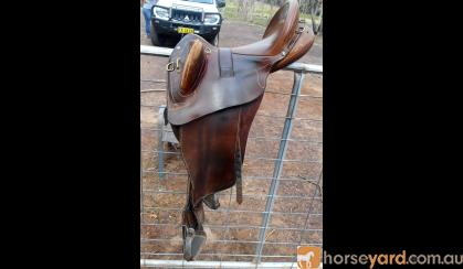 Bates Kimberley Australian Stock Saddle With Swinging Fenders on HorseYard.com.au