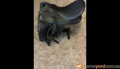 Trainer dressage saddle on HorseYard.com.au