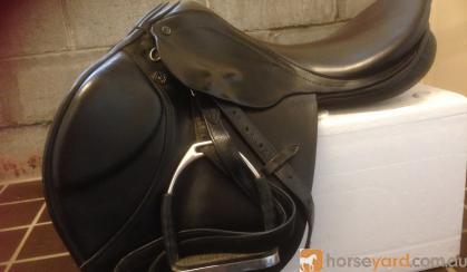 Stubben Artus Close Contact Jump Saddle  on HorseYard.com.au
