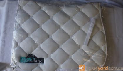 White Saddle Blanket on HorseYard.com.au