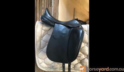 Beautiful Prestige D1 Dressage saddle on HorseYard.com.au