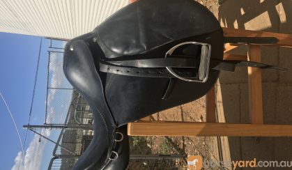 BLACK LEATHER SADDLE  on HorseYard.com.au