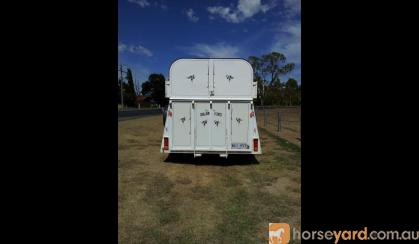 2000 Stallion Deluxe 3 Horse Angle load float on HorseYard.com.au