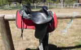 Barrack Black Leather Swinging Fender Halfbreed Saddle – Barely Used on HorseYard.com.au (thumbnail)